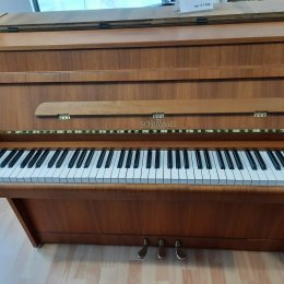 Schimmel 100 B von 1971 in Walnut matt